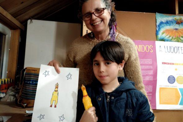 Taller de Lanigrafía para niños y jóvenes en Ludoteca La Merced en Valparaíso